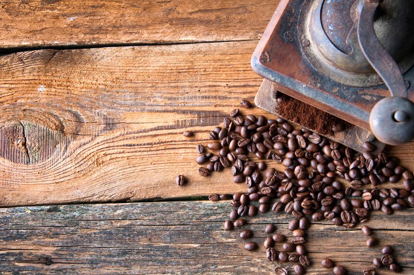 Le moulin à café manuel, un objet déco d'autrefois