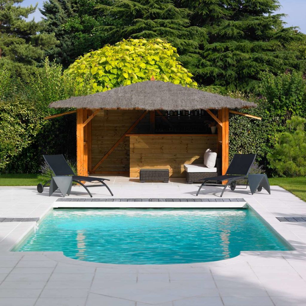 Pool house un coin de paradis au bord de votre piscine - Photos pool house piscine ...