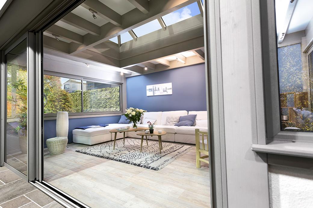 Comment agrandir sa cuisine ou son salon ou tout autre pièce avec une véranda ?