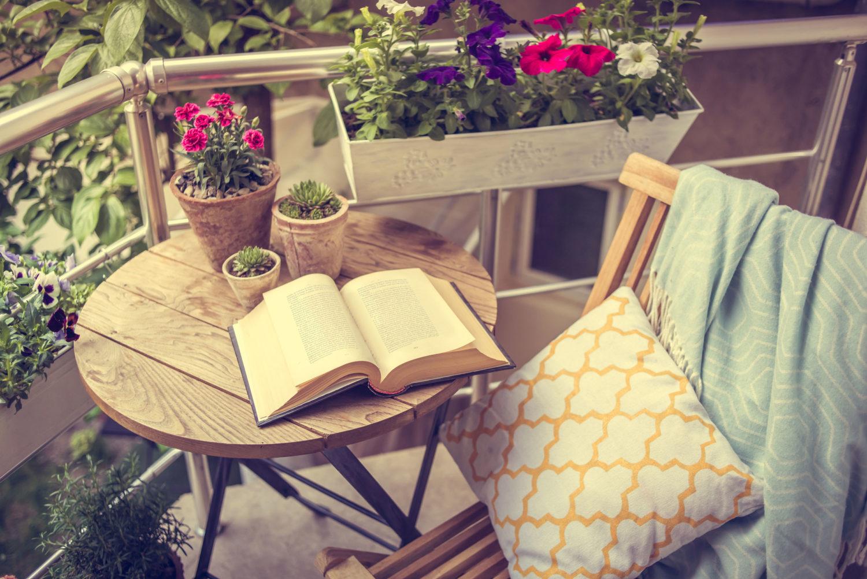 Déco petit balcon : 5 conseils pour l'optimiser