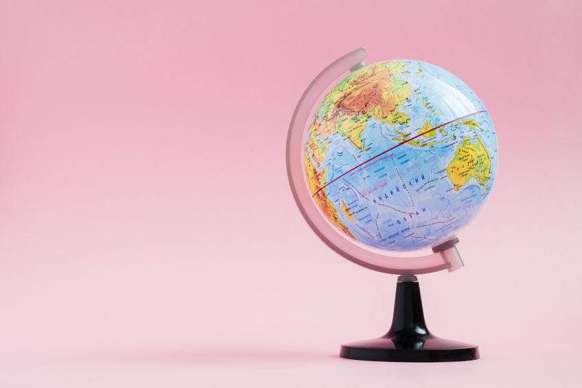 Utiliser une carte du monde murale pour décorer son intérieur